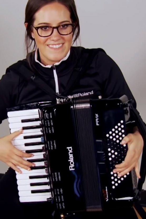 8 Best Lightweight Accordions for Beginners and Pros
