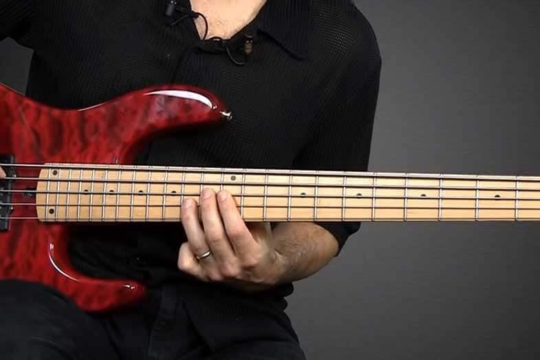 play bass guitar by ear