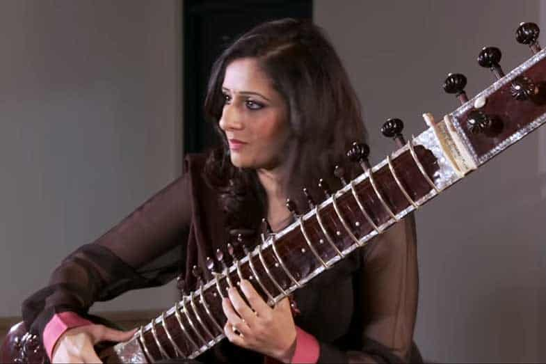 Sitar vs Guitar: What is the Difference?