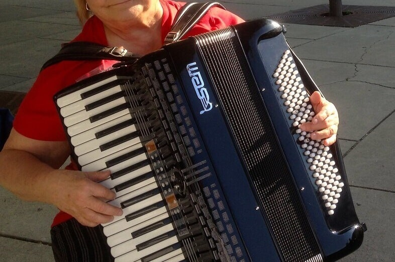 What Type of Accordion is Easier to Play: Button or Accordion?