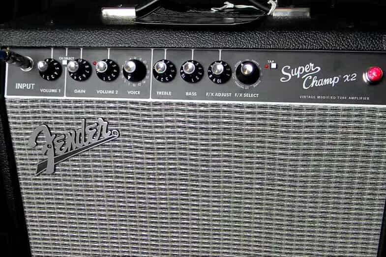 difference between bass amp and guitar amp