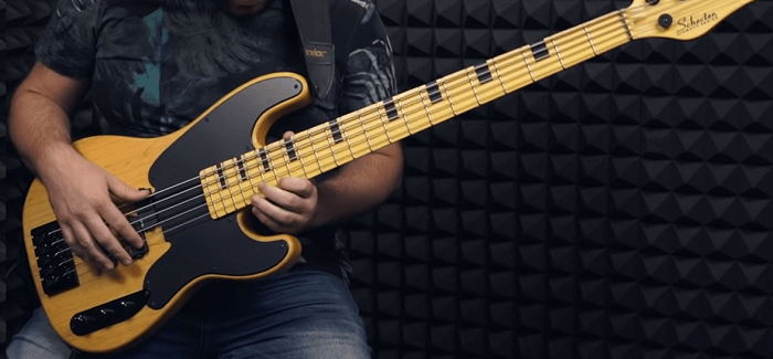 difference between five and four string bass guitars