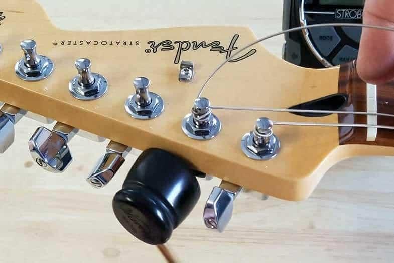 electric guitar strings vs acoustic guitar strings