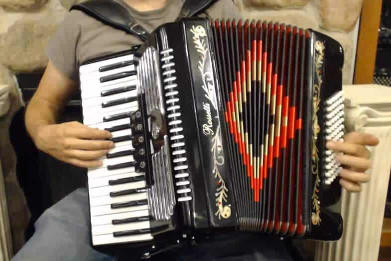 how hard is it to learn accordion
