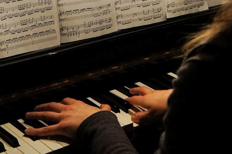 Most Beautiful Piano Songs and Pieces – Top 18