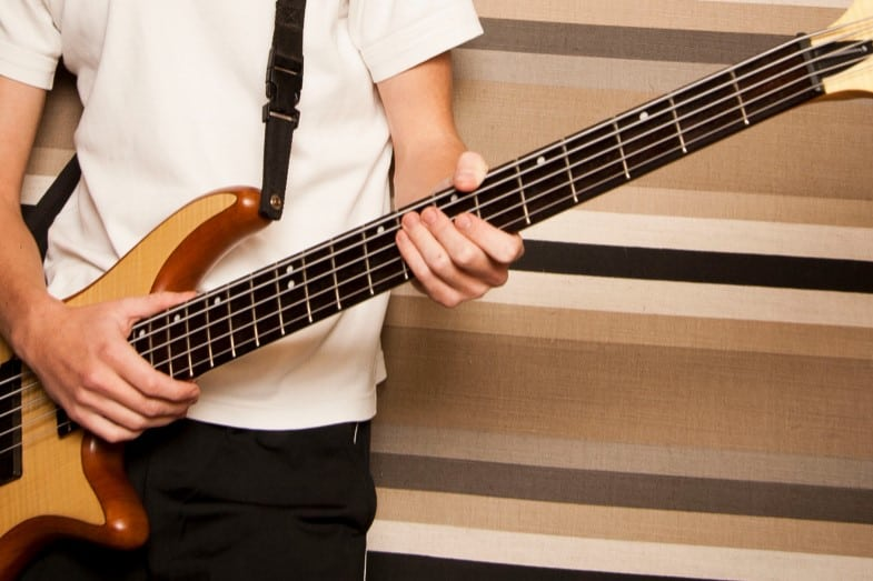 duration of learning how to play bass guitar