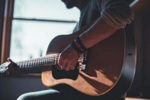 Best Way to Learn Guitar [12 Tips for Learning Acoustic or Electric Guitar]