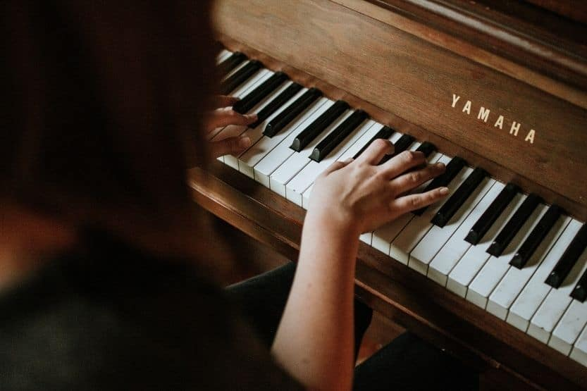 Best Way to Learn Piano [12 Tips for Learning How to Play Piano]