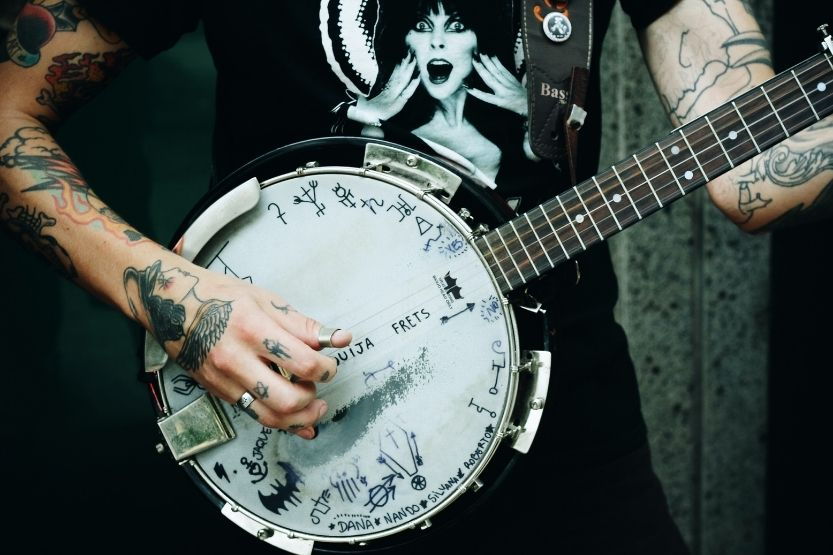 how to tune a 5 string banjo