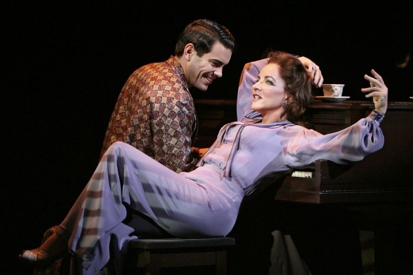 24 Best Mezzo-Soprano Songs [Musical Theatre and Pop]