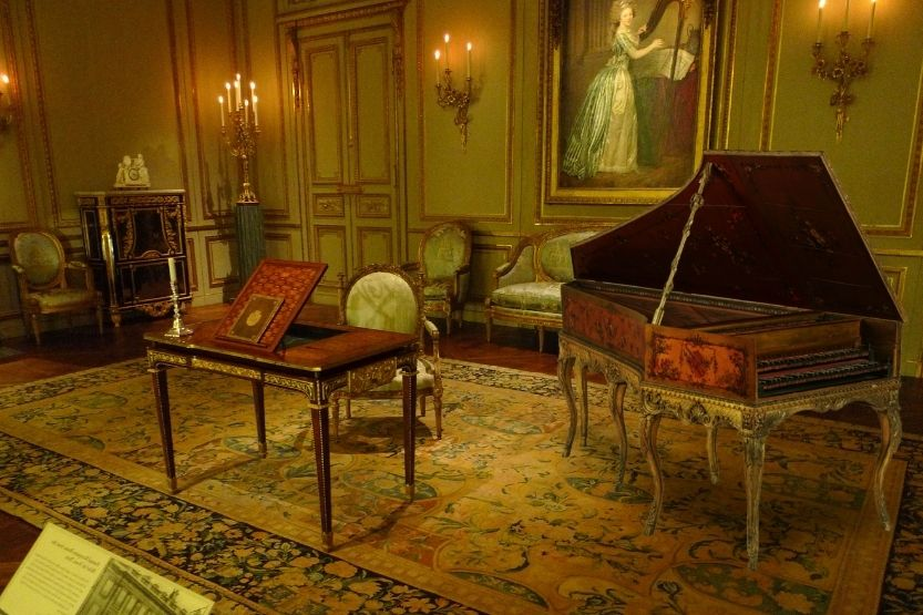 Harpsichord vs Piano – What Are the Differences?