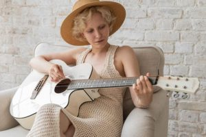 Read more about the article Best Acoustic Guitar Kits – Accessory Bundles [Reviews]