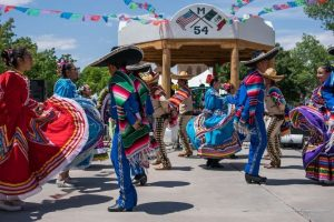 Read more about the article 15 Best Cinco De Mayo Songs