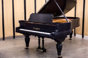 Read more about the article Everett Piano Specs and Review