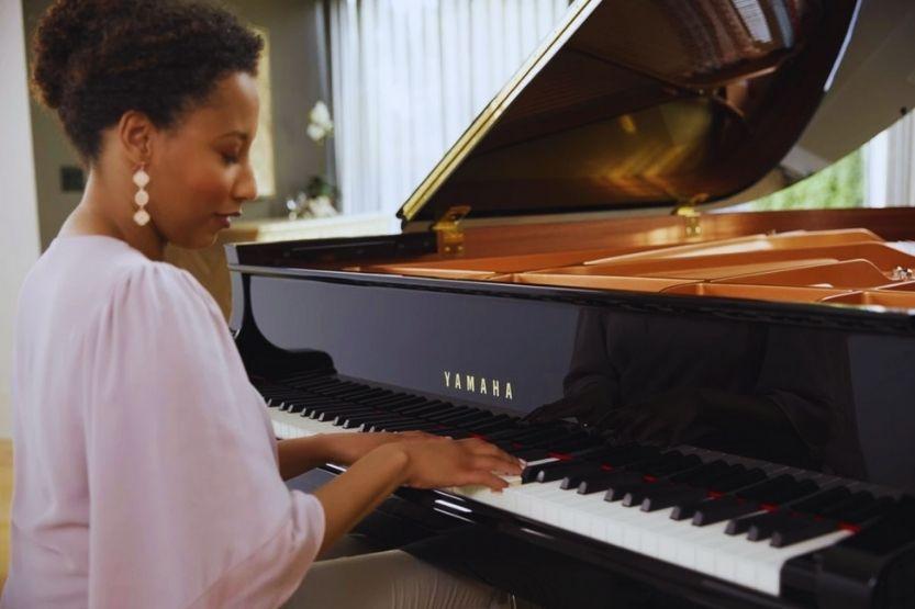 yamaha baby grand piano size