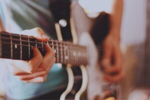 Read more about the article How Many Guitar Chords Are There?
