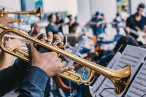 Read more about the article Trumpet Vs Trombone – What Is the Difference Between Them?